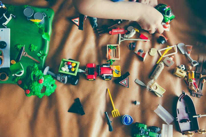 40 de activități pentru tine și copilul tău în vacanța de Crăciun