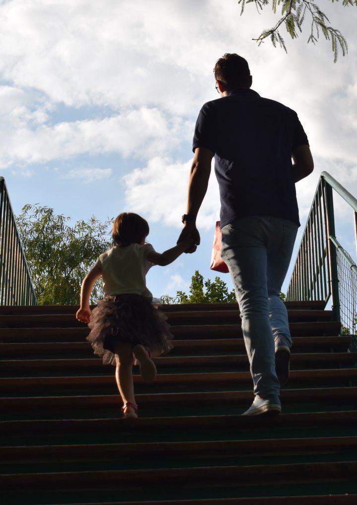 Cum ne pregătim pentru reîntoarcerea la grădiniță în 9 pași simpli