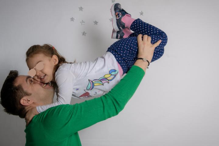 5 idei prin care îți poți manifesta afecțiunea față de fiica ta
