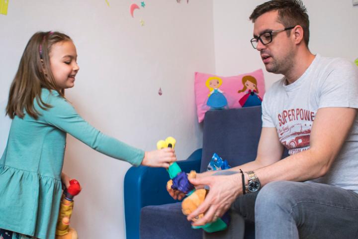 7 moduri prin care părinții ocupați își pot ajuta copiii să se simtă speciali