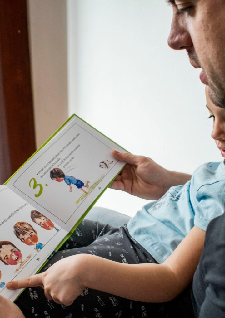 8 modalități prin care vă puteți împrieteni copiii cu lectura