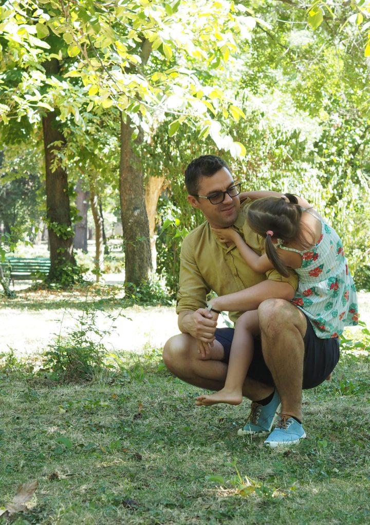 4 greșeli frecvente care pot afecta stima de sine a copilului